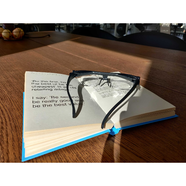 proper focus reading with glasses