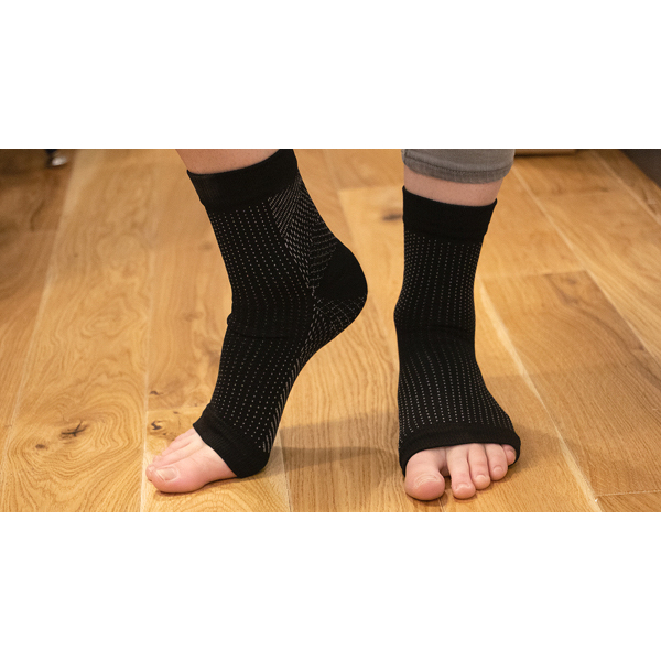 Mindinsole Compression Socks orange floor